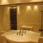 Как установить зеркало в ванной