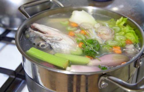 Как сварить вкусную уху из речной рыбы