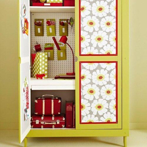Как можно обновить самодельный деревянный шкаф