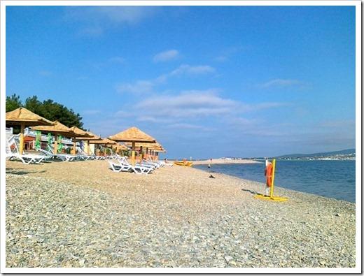 Почему не рекомендуются пляжи Толстого мыса