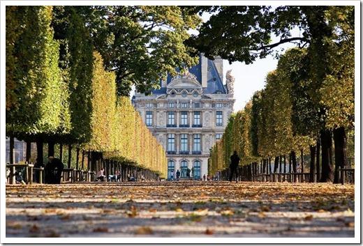 Почему планировать посещение Парижа рекомендуется на первую половину недели?