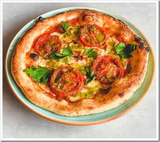 Ингредиенты пиццы «Маргарита» с Песто